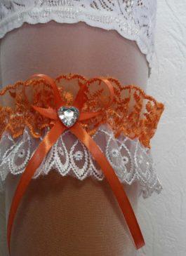Подвязка невесты бело-оранжевая