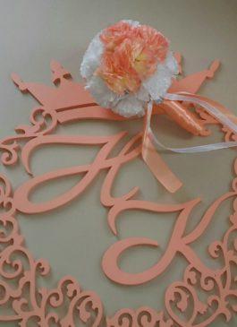 Фальш-букет невесты из белых и персиковых тканевых цветов