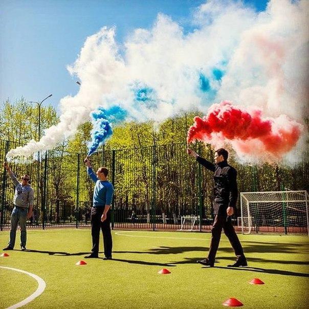 Цветной дым красный, синий, желтый, зеленый, белый. Дымовая шашка 50-60 сек
