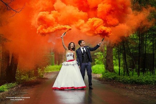 Цветной дым фиолетовый, розовый, оранжевый и черный. Дымовая шашка 30-40 сек