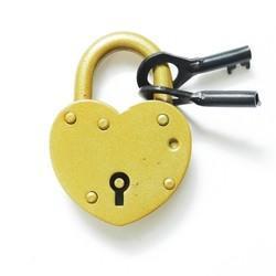 Замок «Сердце» с ключом золотой. Свадебный замок