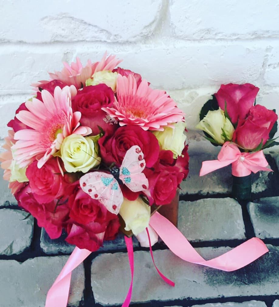 Букет невесты из айвори и розовых роз и розовых гербер
