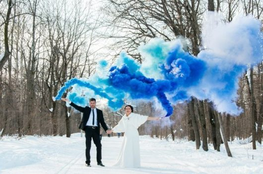 Цветной дым синий. Дымовые шашки для фотосессии до 20 сек