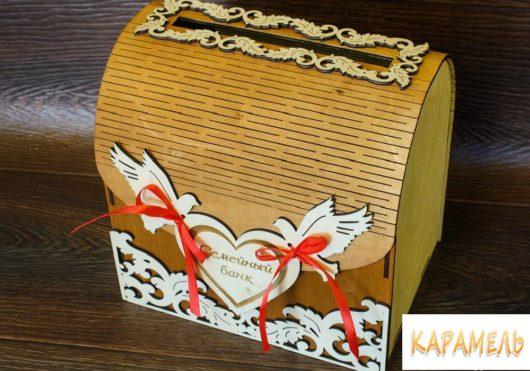 """Свадебный сундучок для денег """"Семейный банк"""" из дерева"""