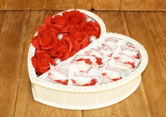 """""""Сердце"""" белое для цветов и конфет"""