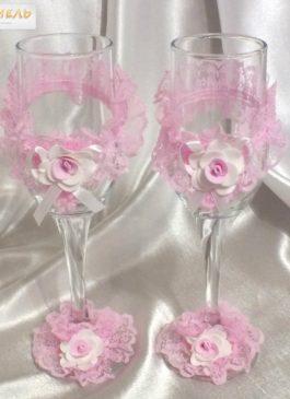 Бокалы молодоженов с розовым декором