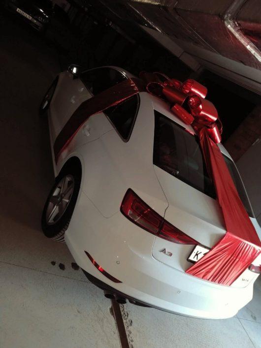 Большой бант на машину в подарок
