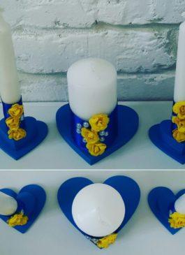 """Набор свечей """"Семейный очаг"""" с сине-жёлтом декором с подсвечниками"""