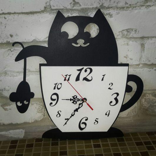"""Часы """"Кот с мышкой"""" настенные из дерева под заказ"""