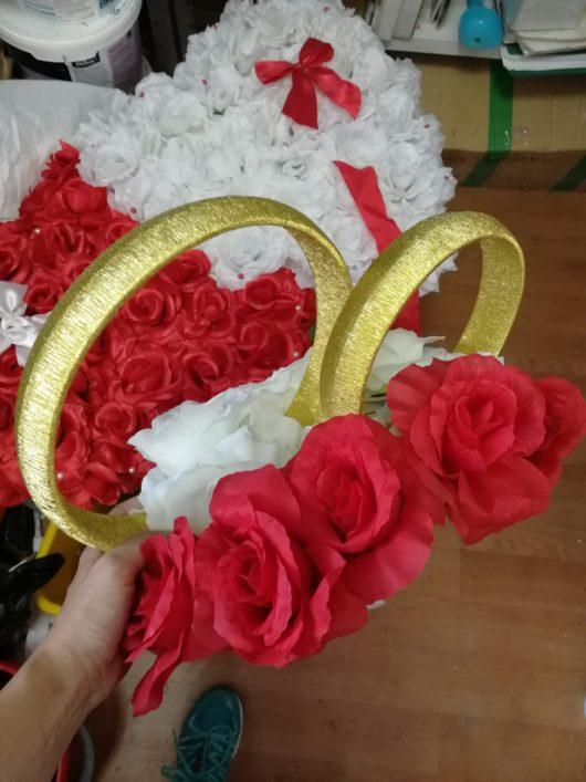 """Украшения на свадебное авто жениха и невесты """"2 Сердца"""" белое с красным в АРЕНДУ"""