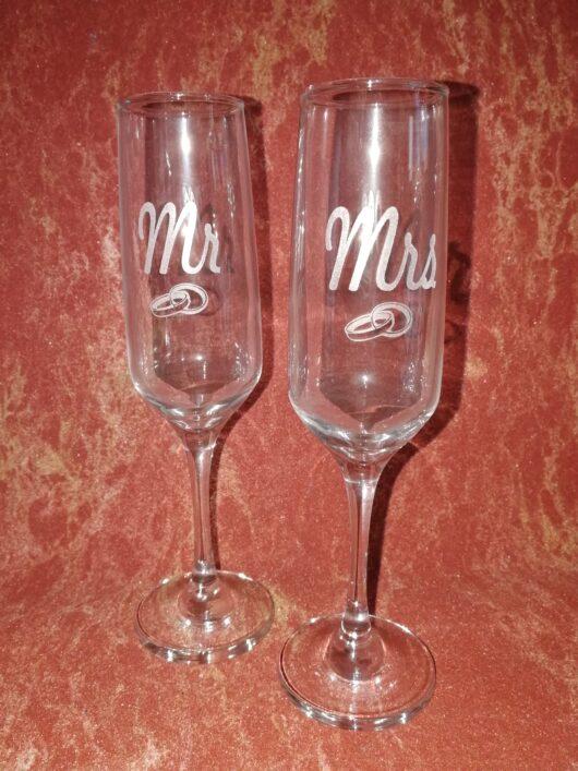 Бокалы для шампанского с гравировкой Mr  Mrs (пара)