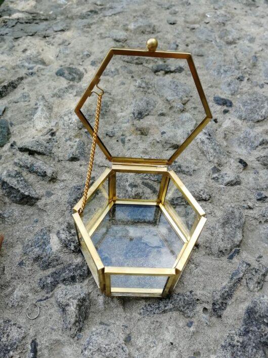 "Шкатулка ""Geometria"" 7,5*6,5*5 см из стекла и металла для колец цвет ""под золото"" В НАЛИЧИИ"